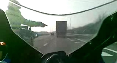 brommers op de snelweg