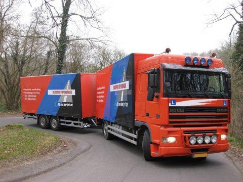 vrachtwagenles, rijbewijs, lesauto