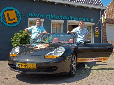 Porsche, lesauto, rijschool Heezen, Teun van Genugten, Jan Heezen