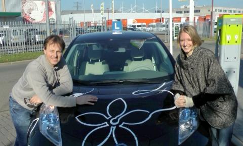 rijles, elektrische lesauto, Nissan Leaf, EigenWegWijs, Gert-Jan van Ark, Kim Taylor, The New Motion