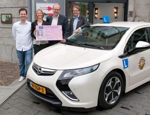 elektrisch rijbewijs, Joop Atsma, Kim Taylor, Gert-Jan van Ark, Eigenwegwijs, rijschool