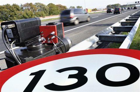 130, snelweg, controle, politie, flitser