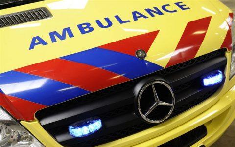 ambulance, sirene, zwaailicht, voorrangsvoertuig, ziekenwagen