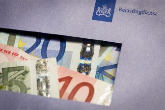 belastingdienst, belasting, geld, envelop