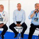 Branchevoorzittersdebat Lesauto Testdag 2016: v.l.n.r Peter van Neck (VRB), Frank Hoornenborg (BOVAG Rijscholen en Ruud Rutten (FAM)