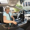 Jongen in auto. foto Flickr/State Farm
