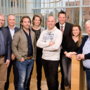 Van links naar rechts: Gertjan Nederveen, Frank Hoornenborg (voorzitter), Pieter Roordink, Christa Grootveld (branchemanager Bovag Rijscholen), Tijs Soethof, Christian van Langen, Christa Huissoon (secretaresse Bovag Rijscholen) en Lex Wierks. Kitty Pompert ontbreekt op de foto. Foto: Bovag