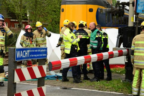 Ongeval lesauto en trein in Bussem. foto AS Media