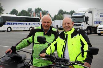 Ton Bruijs (links) en Cees Ligtvoet bij Verkeersschool Willem Verboon