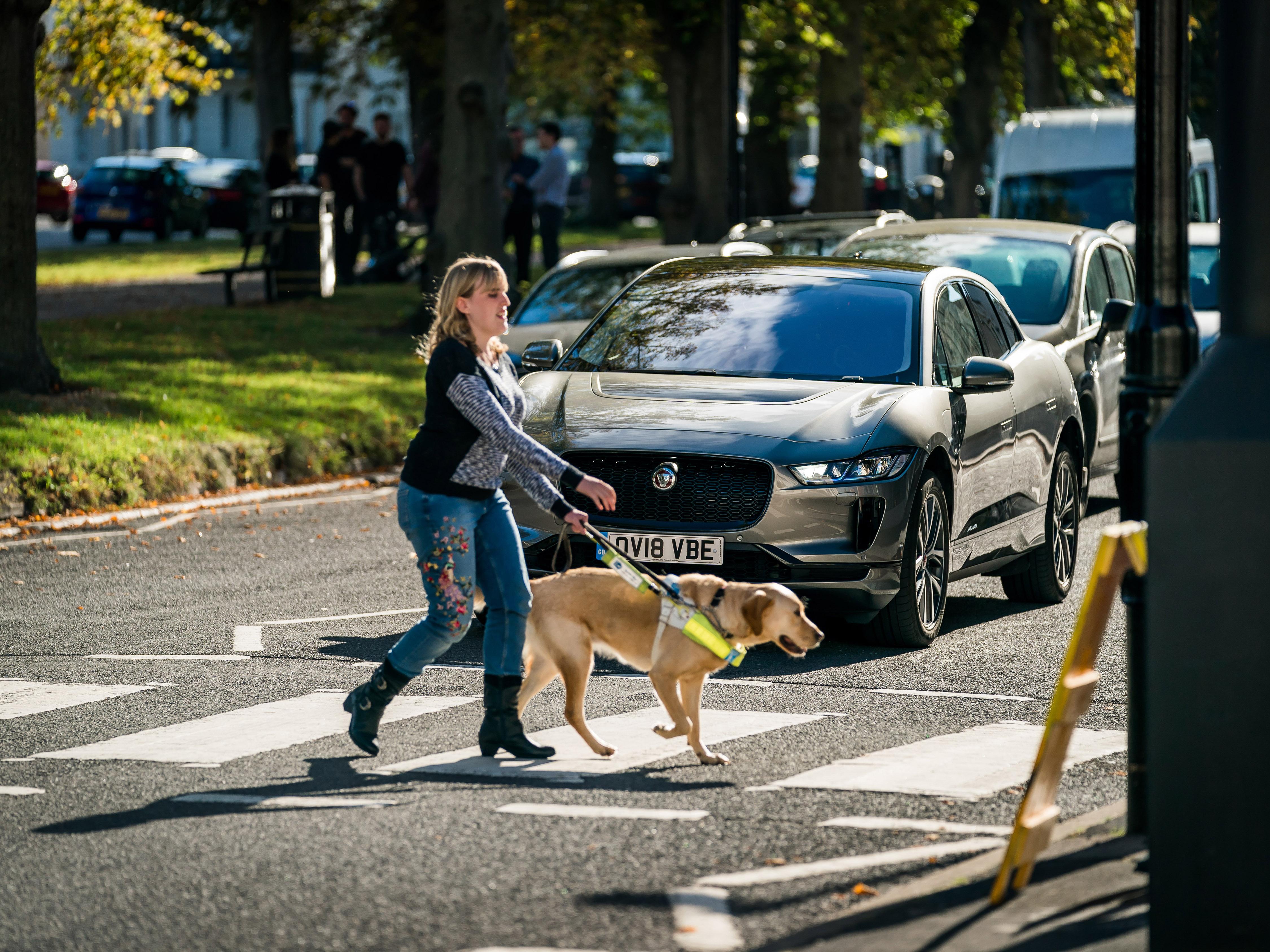 Elektrische Auto S Moeten Geluid Maken Voor Blinden Rijschoolpro