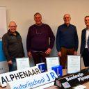 vlnr: Arjen Alphenaar (Rijschool Alphenaar), Jan Rienk de Jonge (Autorijschool JR), Boudewijn Pijnappel (Autorijschool Pijnappel) en René Ungerer (Centrum voor Certificatie)