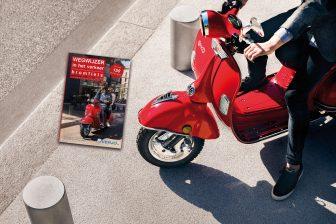 Theorieboek Bromfiets van Verjo, met informatie over elektrische scooters
