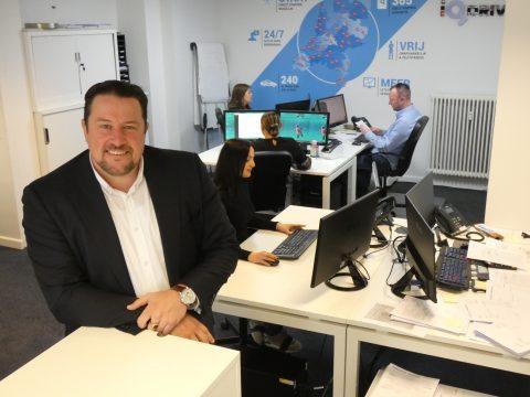 Bob de Boer op het kantoor van iQDrive in Rotterdam