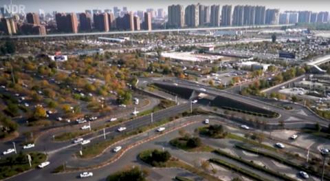 De grootste rijschool ter wereld in Peking